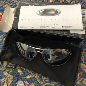Oakley Plantiff Polished Chrome Aviator Sunglasses